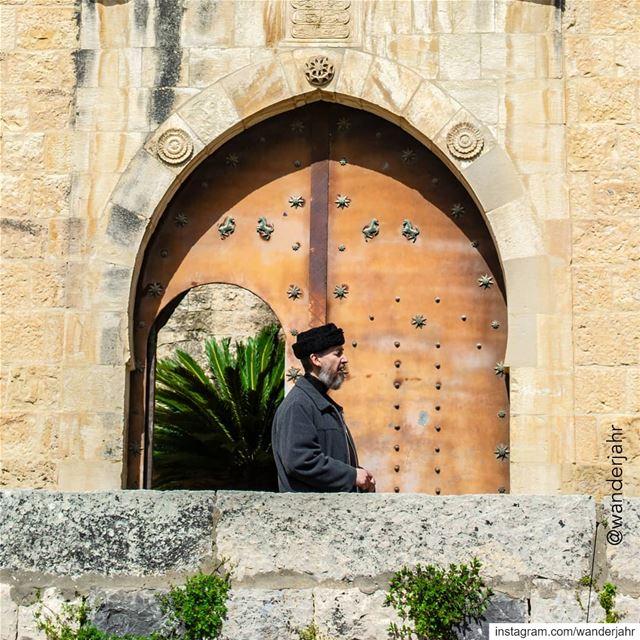 متحف السراي الحمادي في بعقلين عندما تدخل قصر «آل حماده» المعروف باسم «السر (Baakline, Mont-Liban, Lebanon)