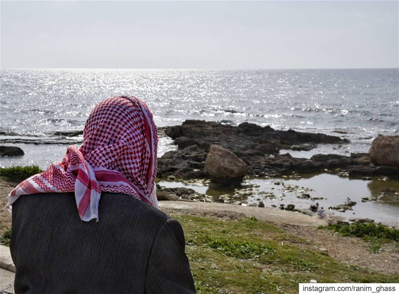 يا ريتو ما كان في مراكب يا ريتو ما كان في سفر!............. (Tyre, Lebanon)