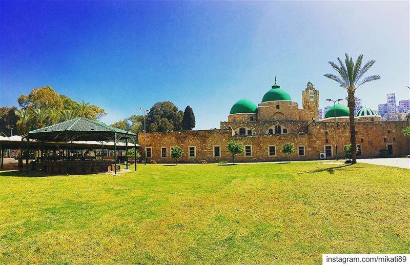 أجمل مساجد طرابلس ولبنان، أسسه الأمير سيف الدين طينال في عهد المماليك عام... (مسجد طينال)
