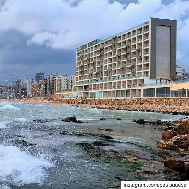 lancasteredenbay beirut beiruting lebanon timelapse sea beach ... (Lancaster Eden Bay)