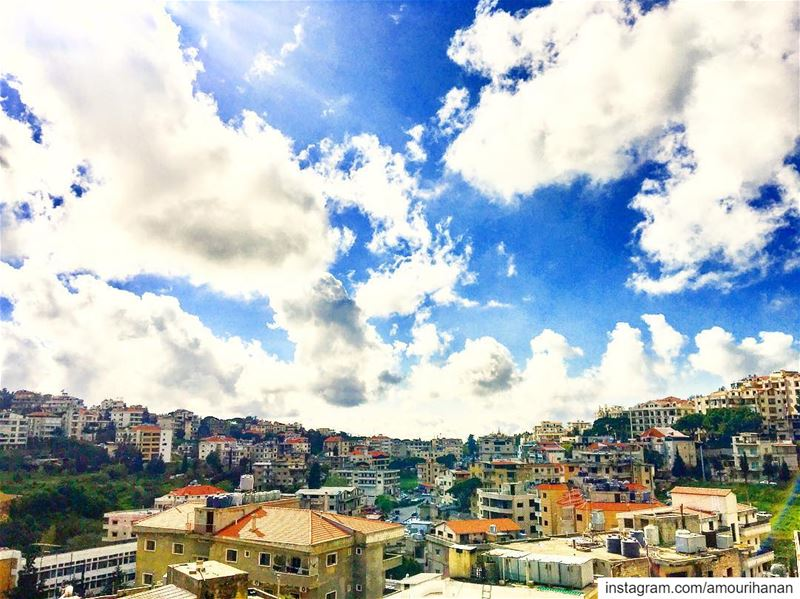The charm of April sky ☀️🌤@livelove.aley springsky springtime ... (Aley)