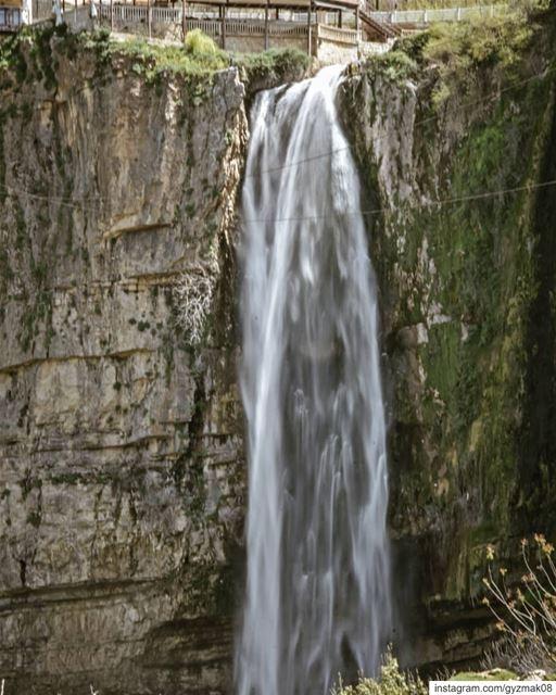 Run wild and free like a waterfall. wildernessculture naturelovers ... (Jezzine Region)