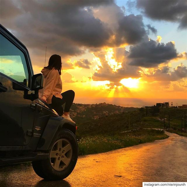 Sweeter than honey 🍯  sunset  wrangler  april  livelovebeirut ... (`Aqtanit, Al Janub, Lebanon)