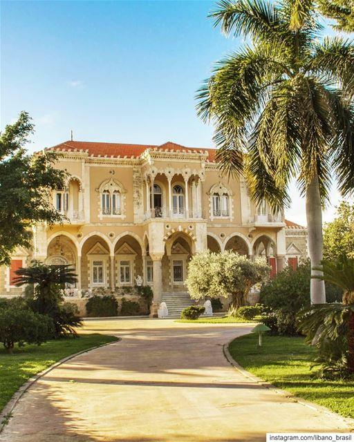 🇱🇧🇧🇷 Construído em meados do século 19, em Sidon, o Palácio Nassib... (Saray Nassib Basha)
