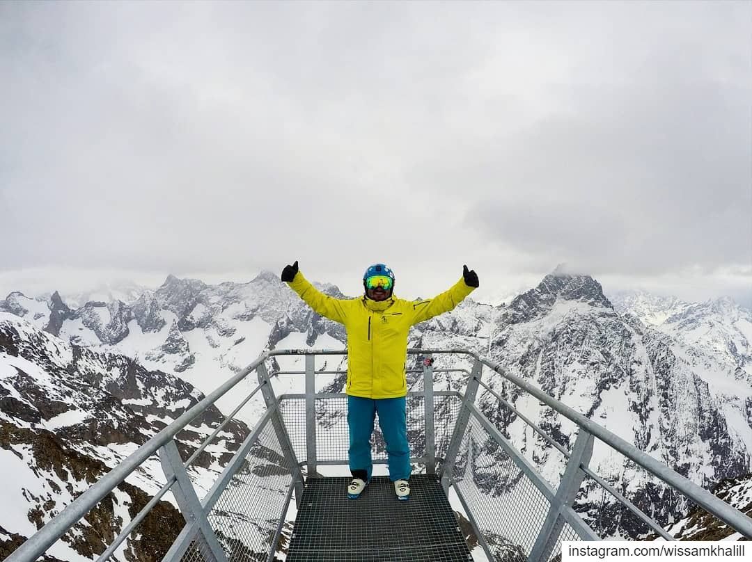 Take a break and enjoy the view ⛷️🏔️ les2alpes france salomon spyder ... (Belvédère des Ecrins, Les 2 Alpes)
