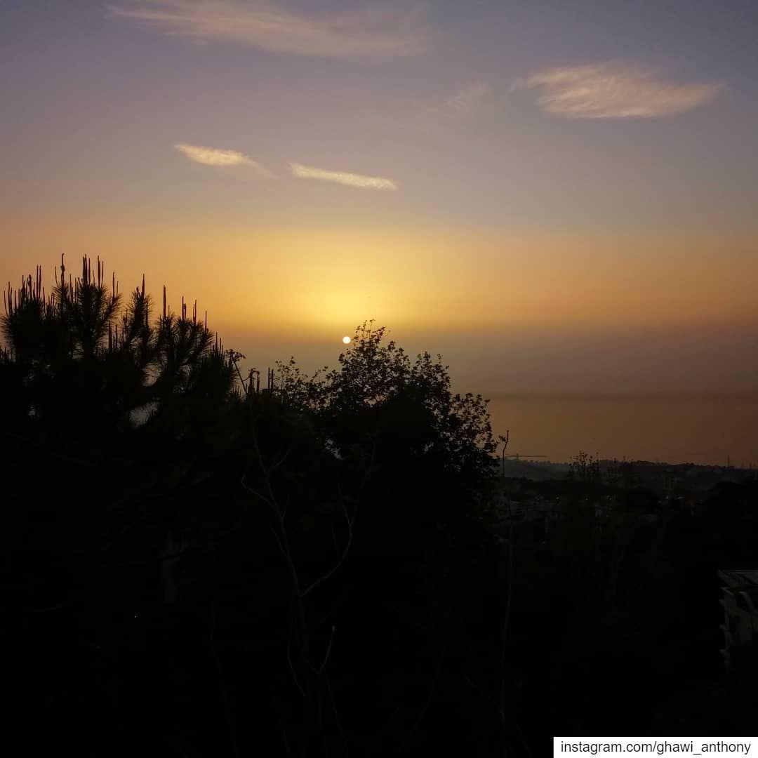 Brumana's Sunset 💛_______________________________ sunset post ... (Brummana)