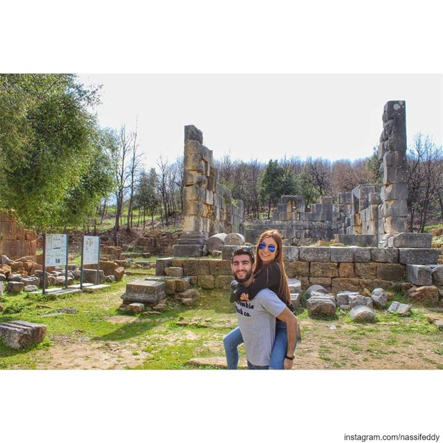 Yanouh roman temple! livelovelebanon livelove_lebanonn liveloveyanouh ... (Yanouh)
