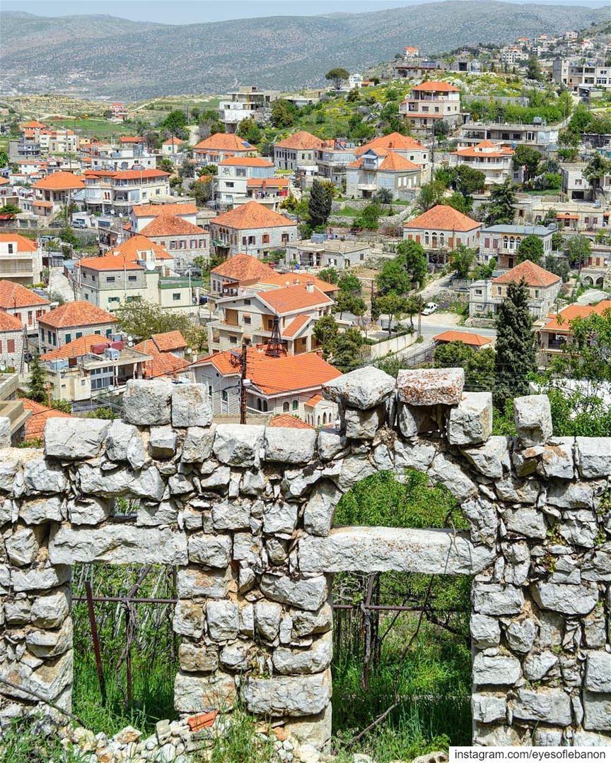 صباح الخير من راشياCredits to @wanderjahr・・・Tradition remains alive... (Rachaïya, Béqaa, Lebanon)