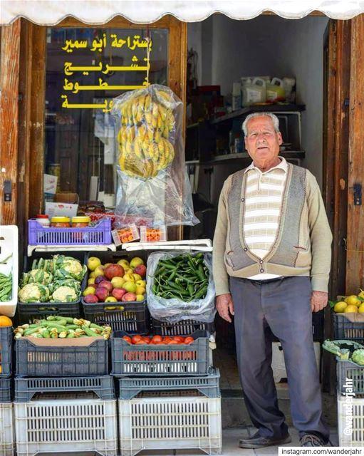 Happy Labor Day! 💙 laborday lebstory lebanontraveler lebanonbyalocal... (Rashayya, Béqaa, Lebanon)
