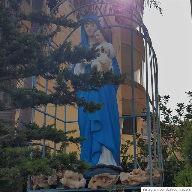 batroun saint Mary holy month prayforus bebatrouni lebanon ... (Batroûn)