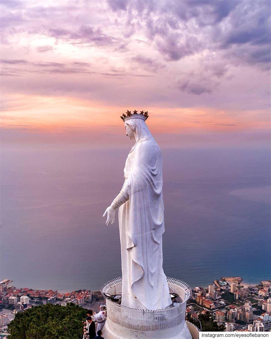 سلام لك يا مريم 🙏Credits to @rami_rizk89・・・May is The month of Mary💙🙏 (Harîssa, Mont-Liban, Lebanon)
