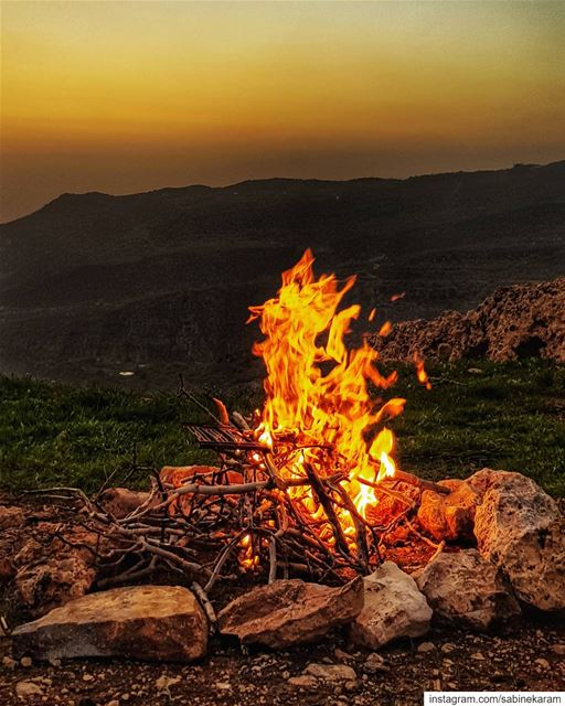 lebanon fire sunset mountains scenery sunsets sunsetlovers ...