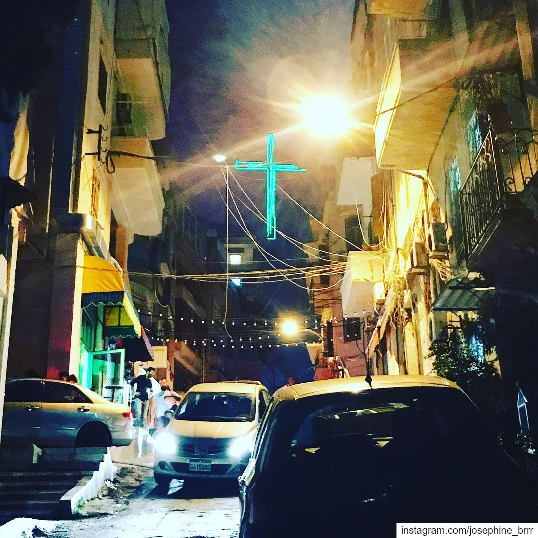 Li Beirut (by night).... beiruting lebanon hideway beirut ... (Beirut, Lebanon)