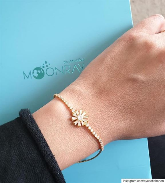 A lovely gift 🎁 @moonray_accessories offers for one of the winners this... (Beirut, Lebanon)