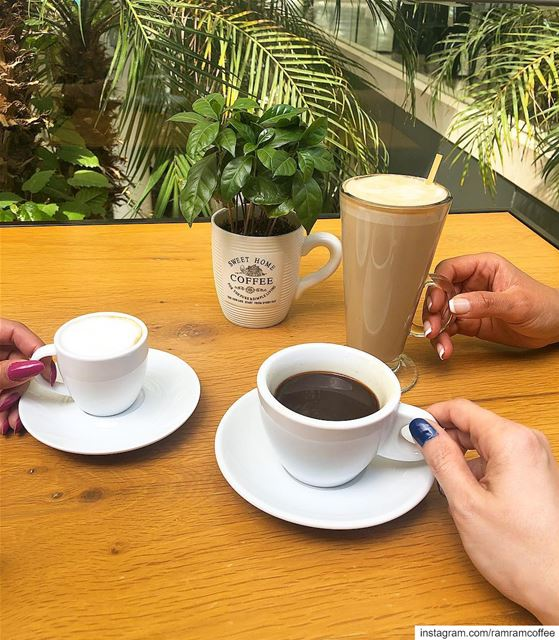 جمال القهوة ليس بمذاقها الجميل لكن بمن نشربها معهم........ (Abc Achrafieh)