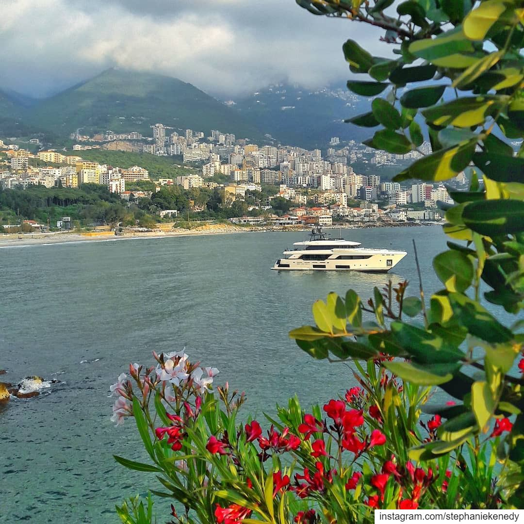 Where the Mountains meet the Sea 🛳🌊 photooftheday photography evening... (جونية - Jounieh)