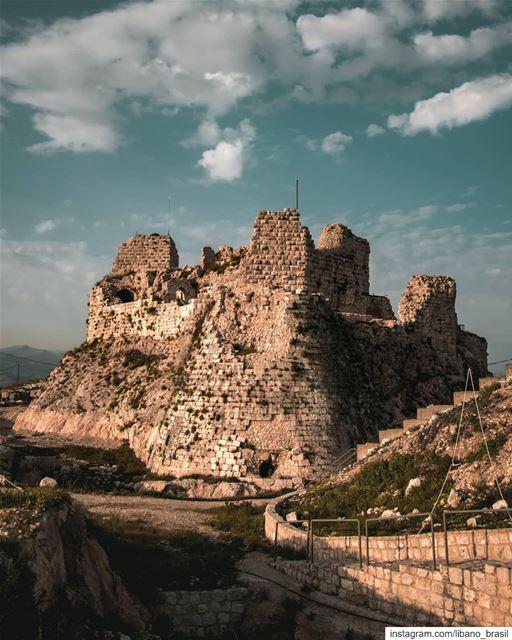 🇱🇧🇧🇷 O Castelo de Beaufort é uma fortaleza dos cruzados na região sul... (Beaufort Castle, Lebanon)