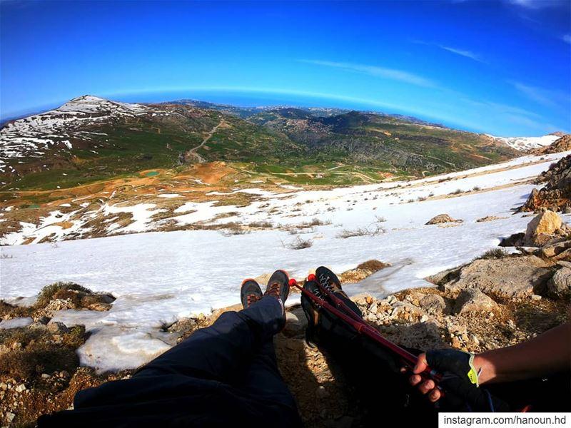Good morning from sannine 2800m elevation hiking hiker hikers ... (Jord Sannîne)