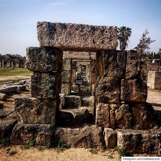 صور الفينيقية the Phoenician Tyre ____________________________________... (Tyre, Lebanon)