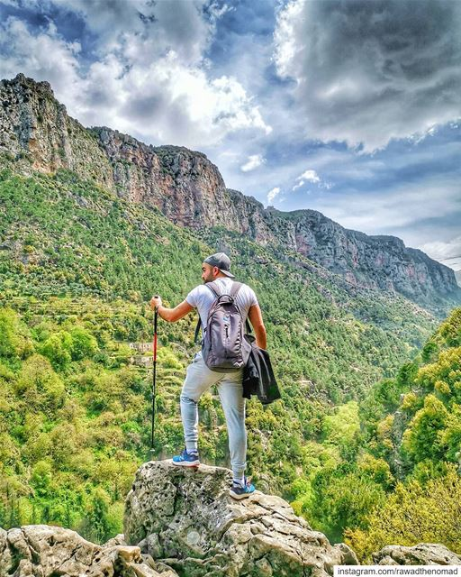 My happy place 🌱🌳🌿...Photo credits:@pamchemali.... lebanon_hdr... (Qannoubine Valley)