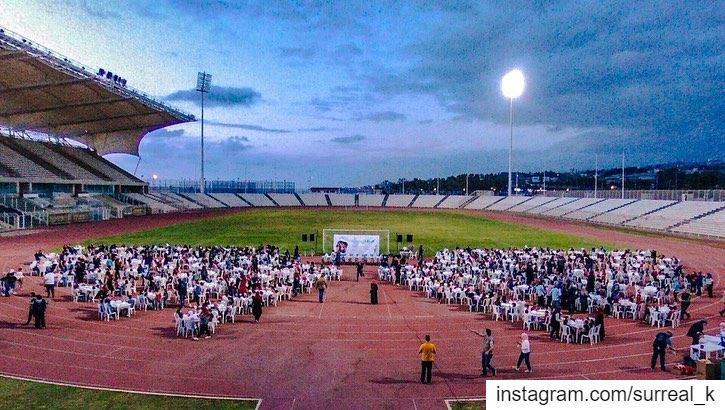 بفضل الله تعالى، اول افطار في صيدا ل ٧٦١ طفل و ١٠٠ من كبار السن. اهل الخير... (Saida International Stadium)