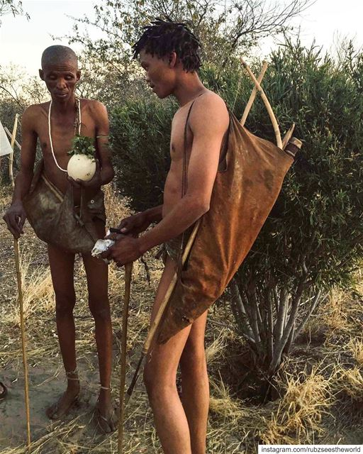 Deception Valley, Botswana: Karokha & Nemse from the Naro Bushmen Tribe... (Botswana)