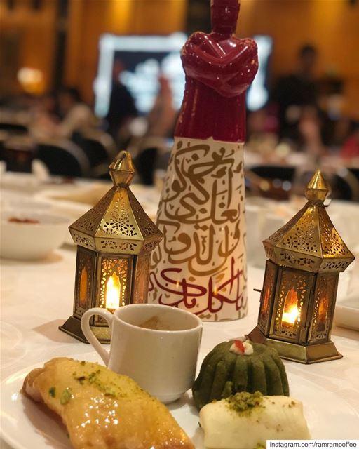 كتير بشبهك بالقهوةكيف هيكالقهوة حتا بمرارها حلوةوانت حتى المر معك حلو.... (Four Seasons Hotel Beirut)
