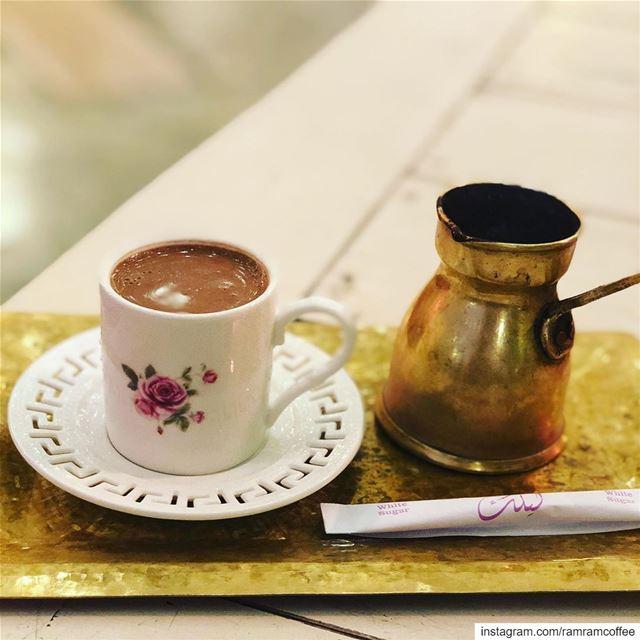 اشرب فنجان من القهوة بوقت السحور ان كنت معتاد على القهوة لان نقص الكافيين ا (Laylak ليلك)