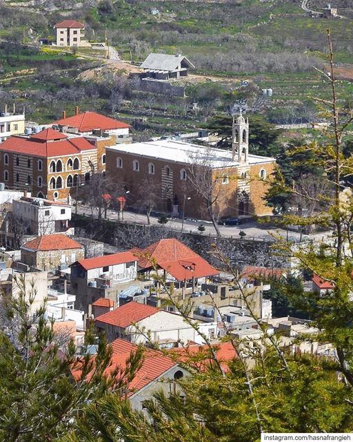 """لن تكتشف شيئاً بما اعتدنا من لغات، وعسانا نكون """"في السكوت"""" لكي تثمر البساتي (Ehden, Lebanon)"""