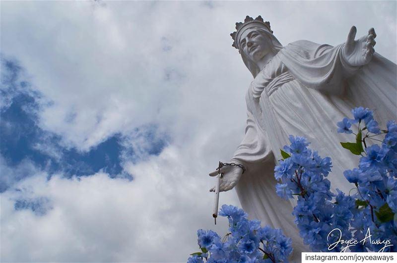 أنتِ الشفيعُ الاكرمُ✨🌈☀️🙏🏻 jezzine lebanon virginmary meetlebanon ... (Jezzîne, Al Janub, Lebanon)