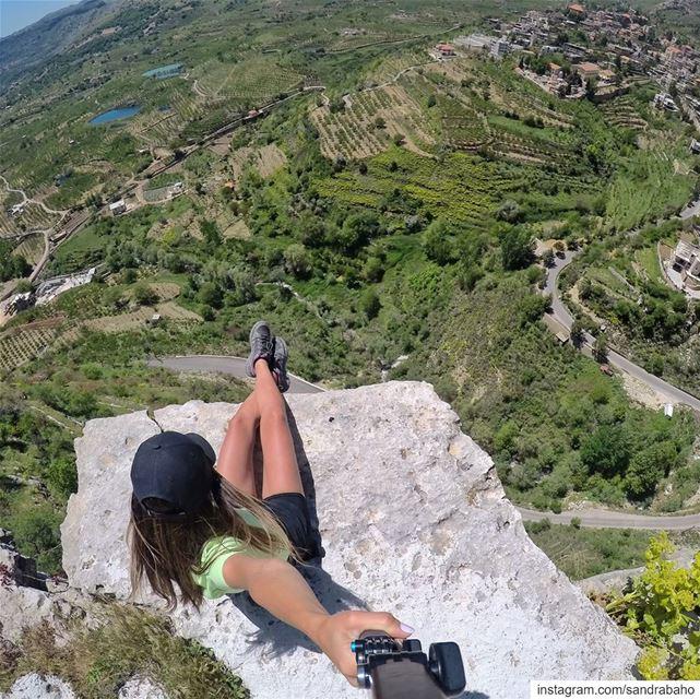 Jump.... I see Monday 👋🏻........ lebanon lebanon_hdr ... (Akoura, Mont-Liban, Lebanon)