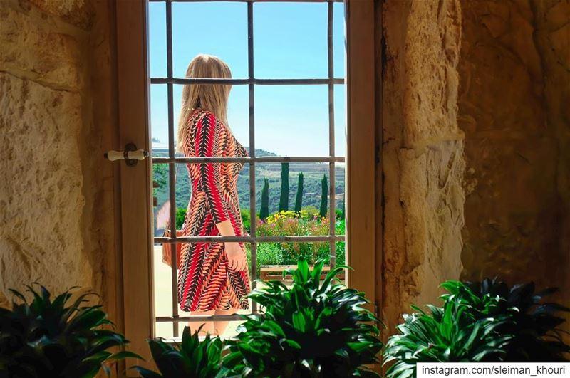 𝗞𝗘𝗘𝗣 𝗬𝗢𝗨𝗥 𝗙𝗔𝗖𝗘 𝗧𝗢 𝗧𝗛𝗘 𝗦𝗨𝗡 & 𝗬𝗢𝗨 𝗪𝗜𝗟𝗟 𝗡𝗘𝗩𝗘𝗥... (Lebanon)