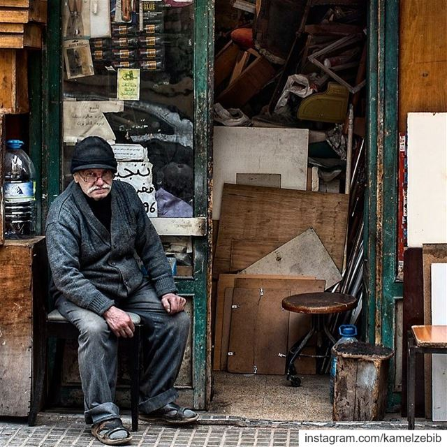 travelphotography  travel  streetphotography  shops  carpenter  beirut ... (Beirut, Lebanon)