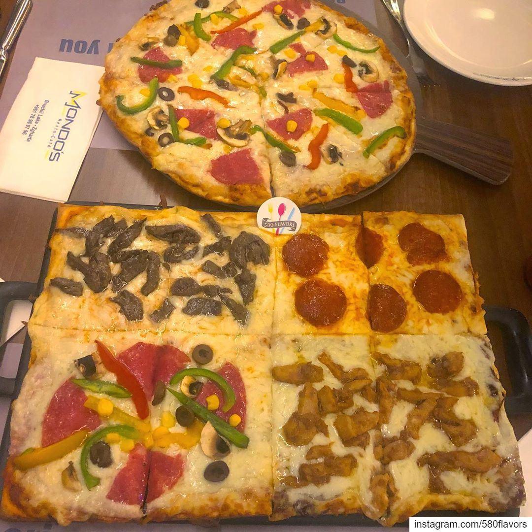 Pizza time 😍😍 best time ever 😍😍🍕 @mondosrestaurant zgharta bnachii... (Mondo's resto-café)