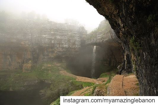 A very foggy May Day ... a7labaladbil3alam 🇱🇧..... photo love ...