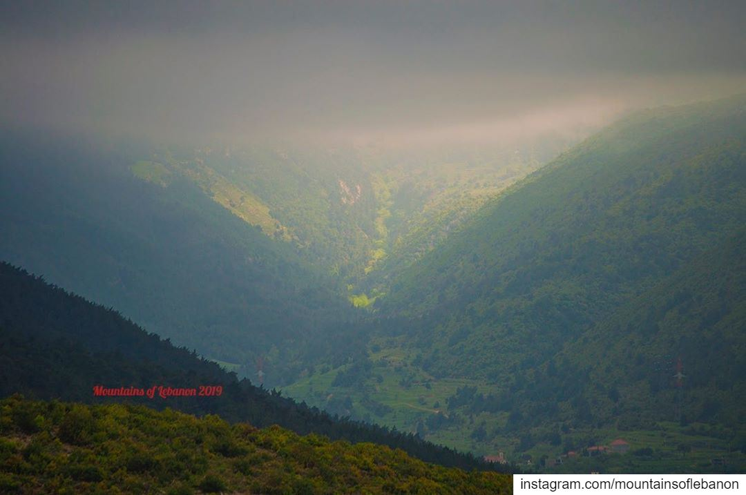 Moody spring weather between green valleys and mountains... roadtrip ... (Al Qubayyat, Liban-Nord, Lebanon)
