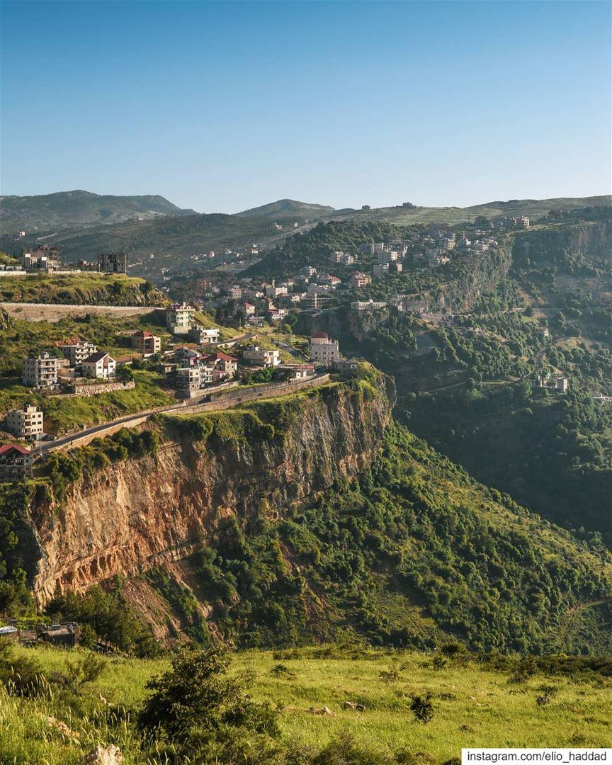 🌇 LiveLoveJezzine Jezzine LiveLoveLebanon Mountains Mountain Spring... (Jezzîne, Al Janub, Lebanon)