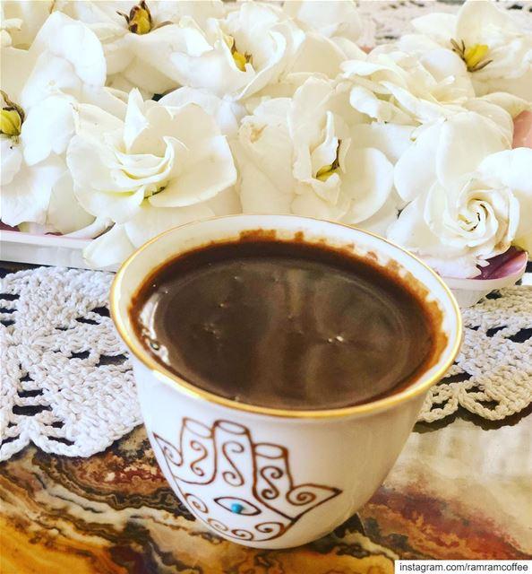 لكل مساء حكاية رغم ان الغروب واحد... ramramcoffee turkishcoffee ...