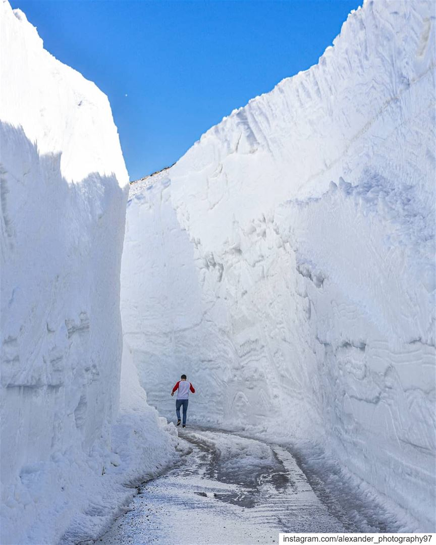 Into the Iceberg ❄ - 10 meter high snow wall on 19 May 2019! Located at... (Aineta El Arez)