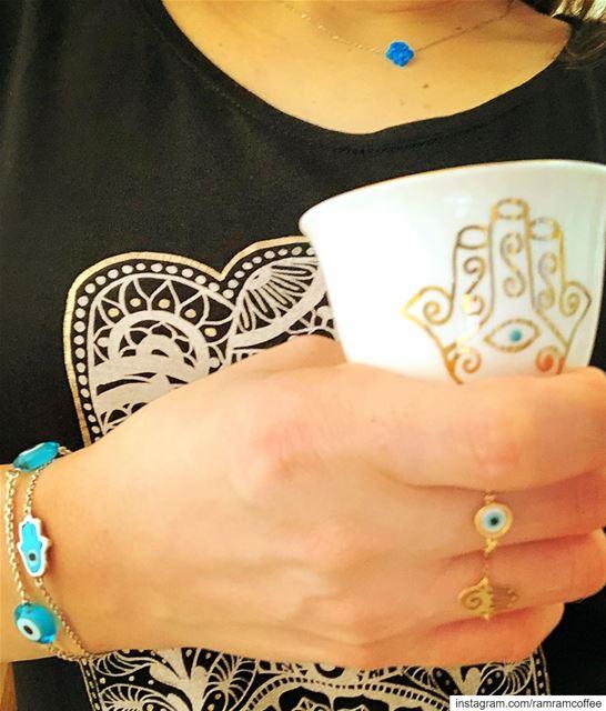القهوة بعد الافطار كرجوع الروح للجسد 🧿☕️💙......🧿☕️.......... (Ra'S Bayrut, Beyrouth, Lebanon)
