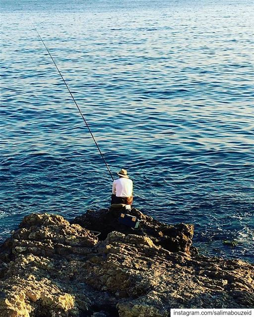 Waiting to feeds his loved ones 🎣 💙Morning igers ☀️-------------------- (Beirut, Lebanon)
