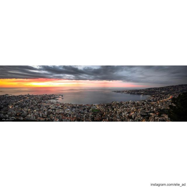 Hypnotic 🌅 sunset bay clouds skies gulf light city mesmerizing ... (جونية - Jounieh)