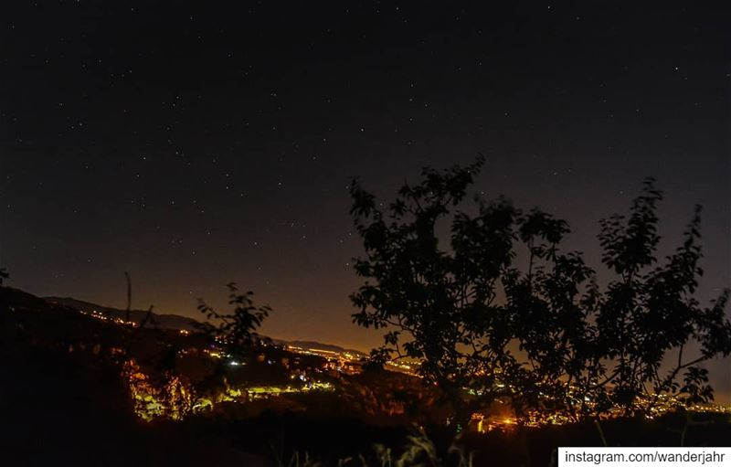 After long trials without tripod 💙 tamsnights yesterday sky night ... (Feitroun, Mont-Liban, Lebanon)