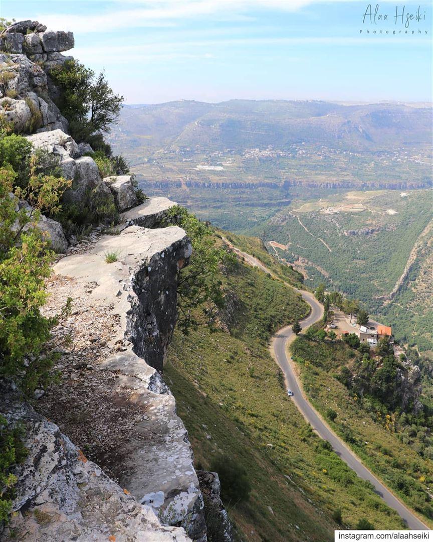 The View is Better Up Here 😎... Hseiki livelovebeirut lebanon ... (Dhoûr Beït ed Dîne)