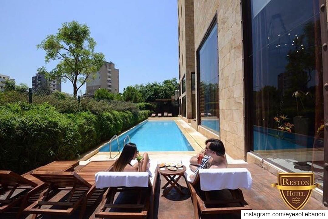 Sunset Competition!Reston is a Hotel overlooking a beautiful bay across... (جونية - Jounieh)