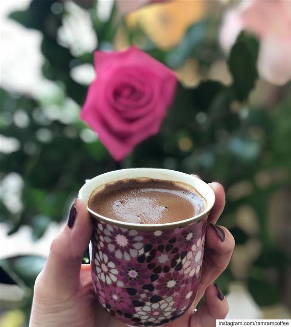من مسكنات المزاج بعد الفطور رائحة القهوة............ ramramcoffee...