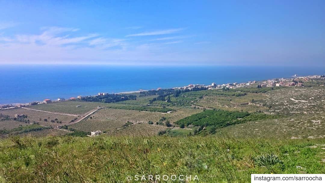 """Dream higher than the sky and deeper than the ocean"" 🌊 ☁ takenbyme ... (Insârîyé, Al Janub, Lebanon)"