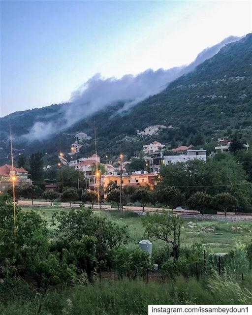 shotoniphone fog nature photographer clouds green mountain @pixaloop