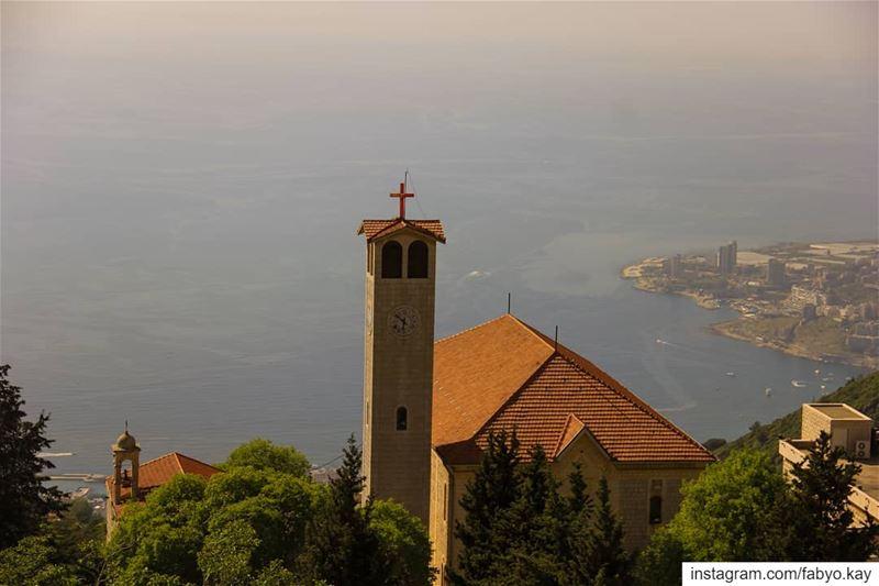 sunday lebanon ghosta pray lebanon_catholicphotograpy jesuschrist... (Ghosta, Mont-Liban, Lebanon)