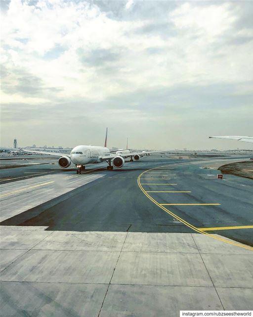 Dubai, UAE: a sight that gets the heart skipping beats.👉🏻 Where are you... (Dubai, United Arab Emirates)